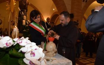 La Sardegna offre l'olio a Padre Pio