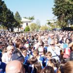 La popolazione radunatasi per l'evento
